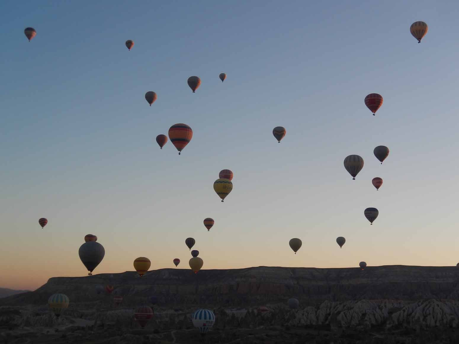 Spectacular scenes in the skies over Goreme